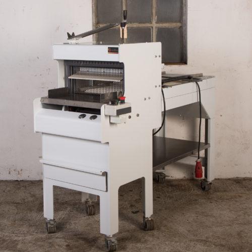 broodsnijmachine-12,5mm-bandaanvoer-gereviseerd-met-glijgoot-VLB