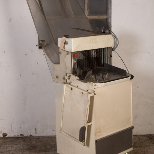 Broodsnijmachine 12,5mm met glijgoot - ABO